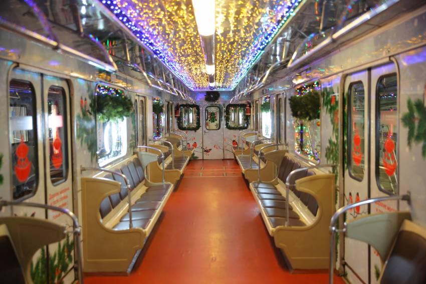 Проезд в московском метро и на МЦК в новогоднюю ночь станет бесплатным
